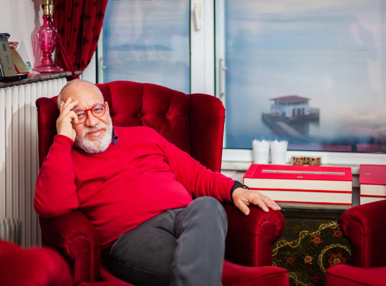 Mario Levi Tramvay Durağındaki Sohbetten Doğan Roman