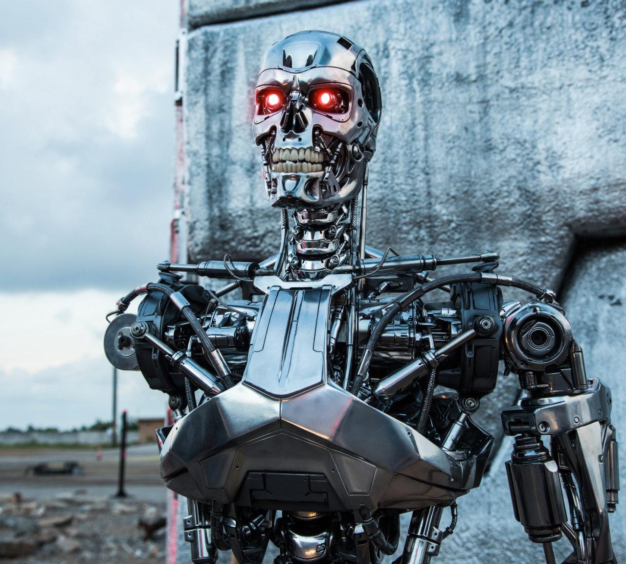 Terminatör filmi, Kurzweil'ın yarı insan yarı makine öngörüsünün fantastik bir ifadesi. 2029'da gözlük kadar sıradan olacak.