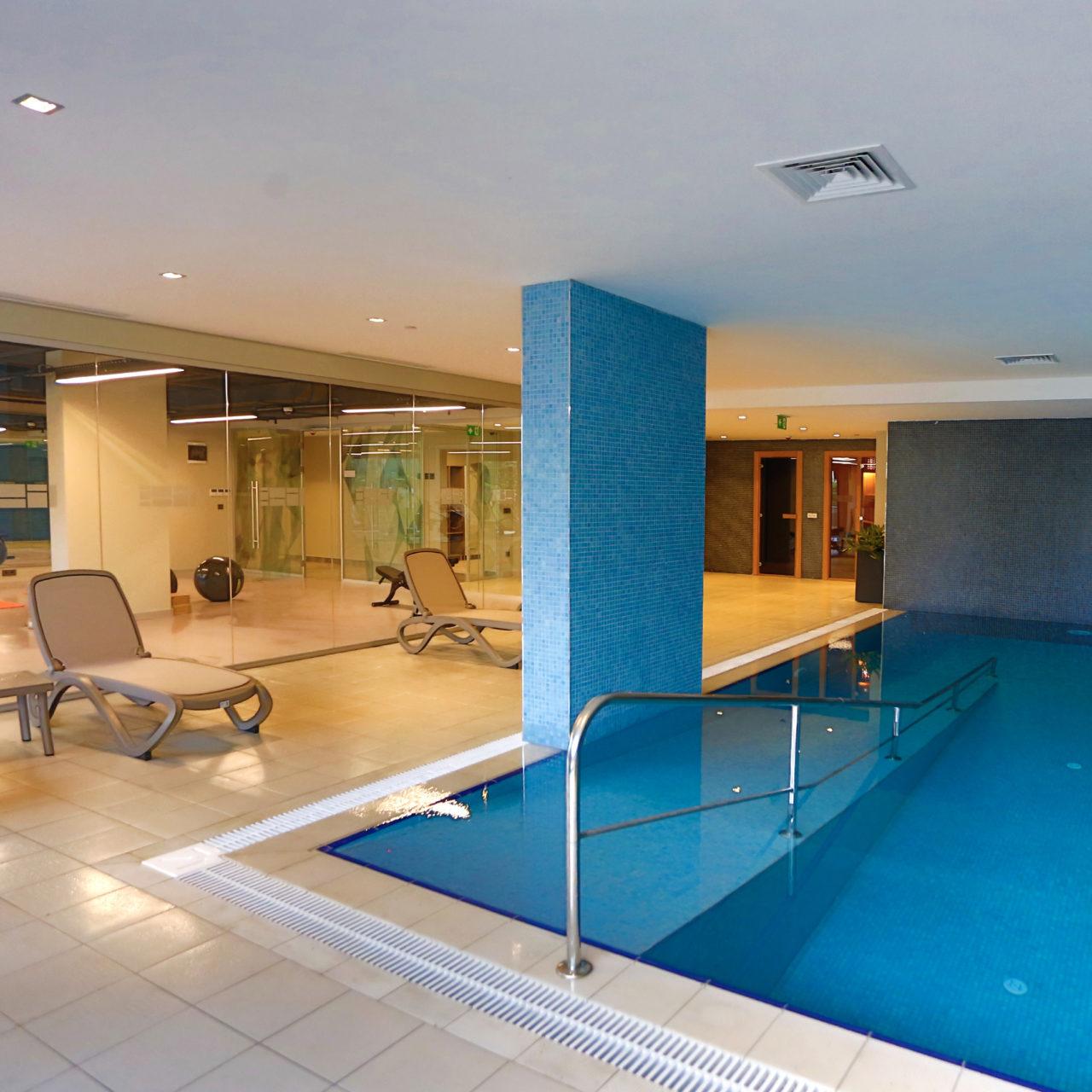 Antwell'de eğitmen eşliğinde her yaş için özel tasarlanmış spor tesisleri, spa, sauna, masaj ve cilt bakım odaları mevcut.