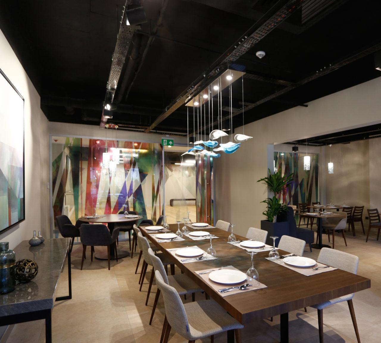 Antwell'in restoranı kişiselleştirilmiş menüler sunuyor. Ancak isteyen üyeler mutfaklarında kendi yemeklerini yapabilecek.