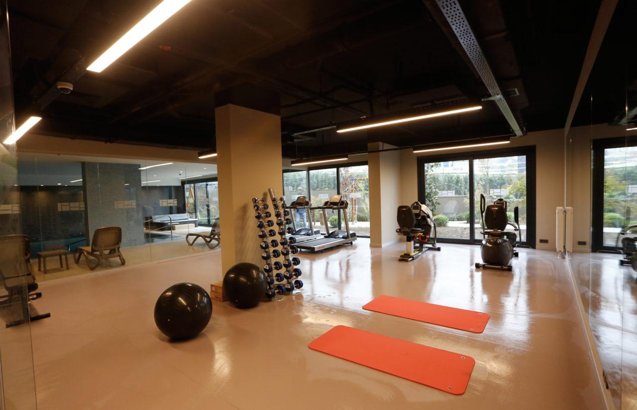 Her yaş ve sağlık grubu için özel tasarlanan spor salonunda üyelere, kişisel antrenörler de eşlik edecek.