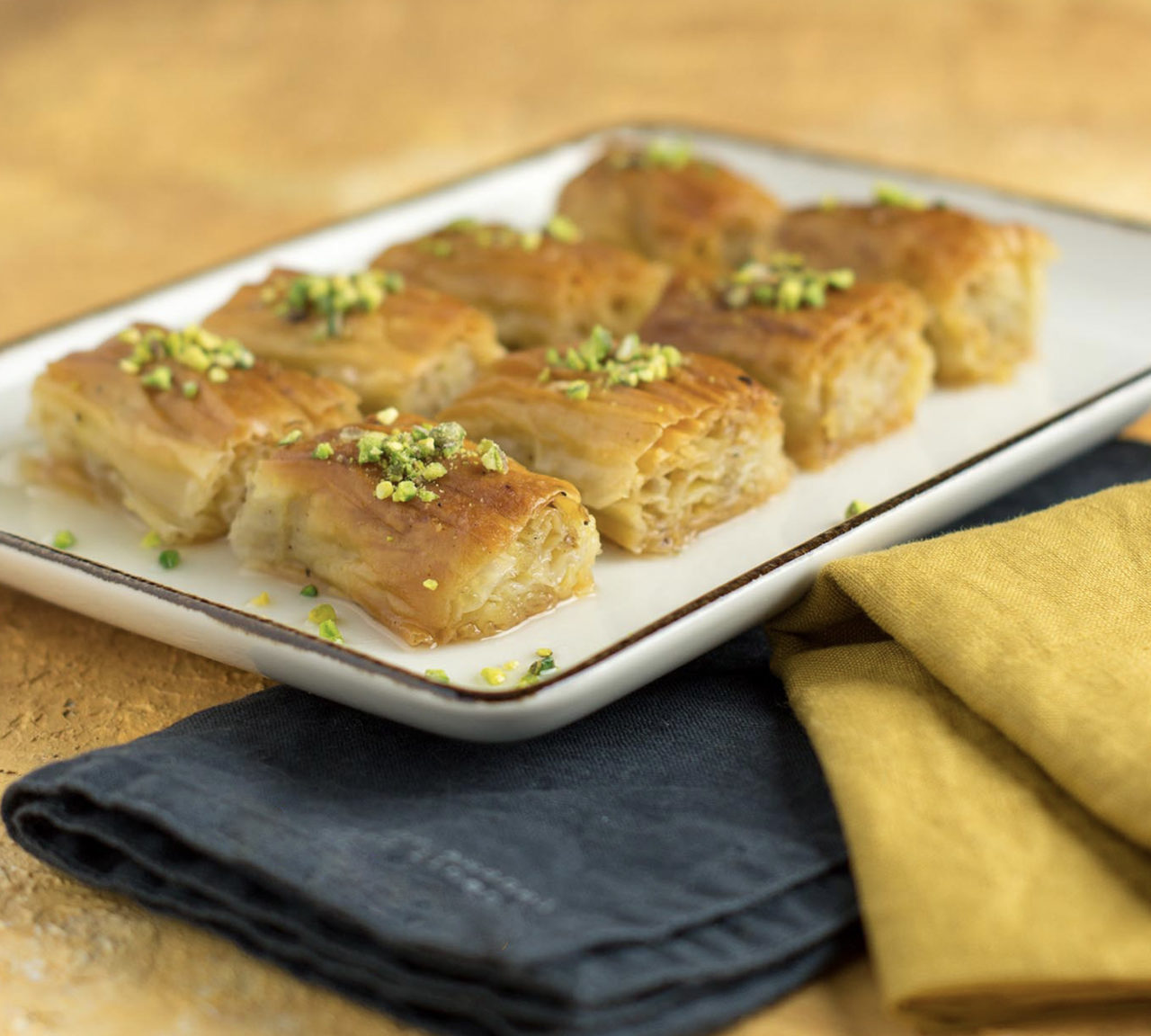 Sivas deyince ilk akla gelense bir tatlı: Gazete baklavası. Çıtır lezzetiyle şerbetli tatlı sınıfının özel tatlarından biri.
