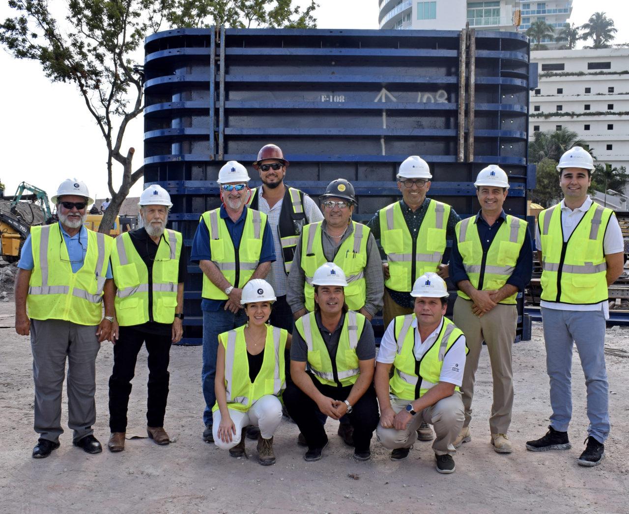 """""""Miami'deki ekip, şehrin en prestijli projelerinden Missoni Baia ve 830 Brickell'in inşasında özveriyle çalışıyor."""""""