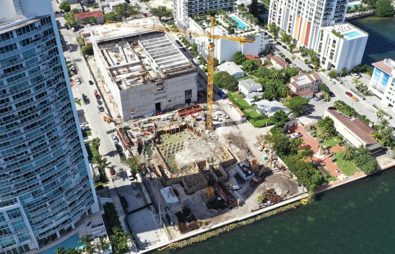 Biscayne Körfezinde devam eden 252 daireli lüks konut projesi Missoni Baia, Ant Yapı'nın Miami'deki diğer iddialı projesi.
